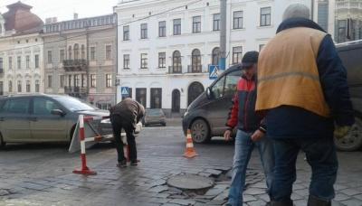 У Чернівцях  тендери провели, а ремонтів доріг немає