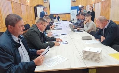 Де шукати гроші на дороги у громадах Буковини: представник Укравтодору дав поради головам ТГ